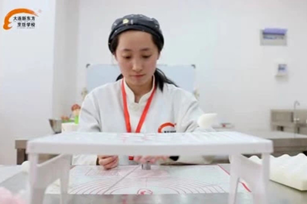 大连新东方就业学子-李柏慧