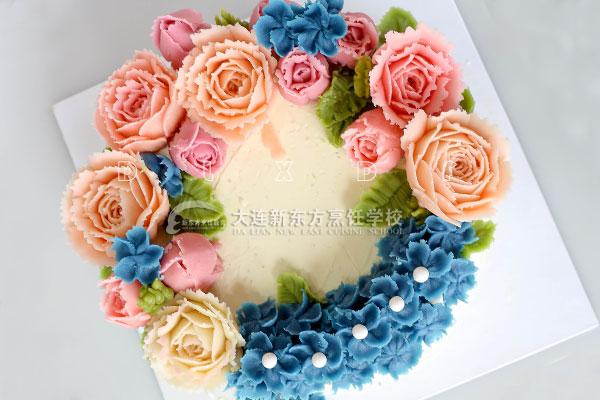 学着做蛋糕,一不小心还学会了花艺,这是种什么样的体验?