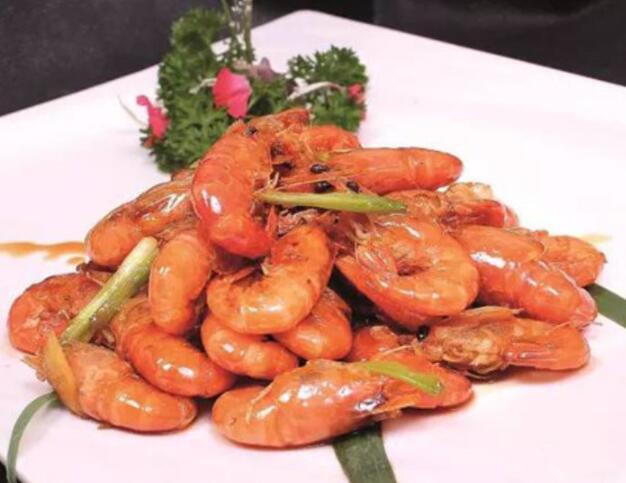 口感松脆的油爆虾制作方法分享